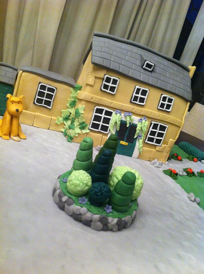 Bespoke House Cake And Grounds 4