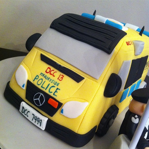POLICE VAN MATRIX VAN LICKY LIPS CAKES LIVERPOOL 2