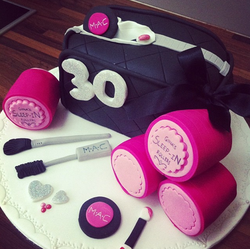 Make Up Cake Sleep In Rollers Cake Licky Lips Cakes Liverpool 2