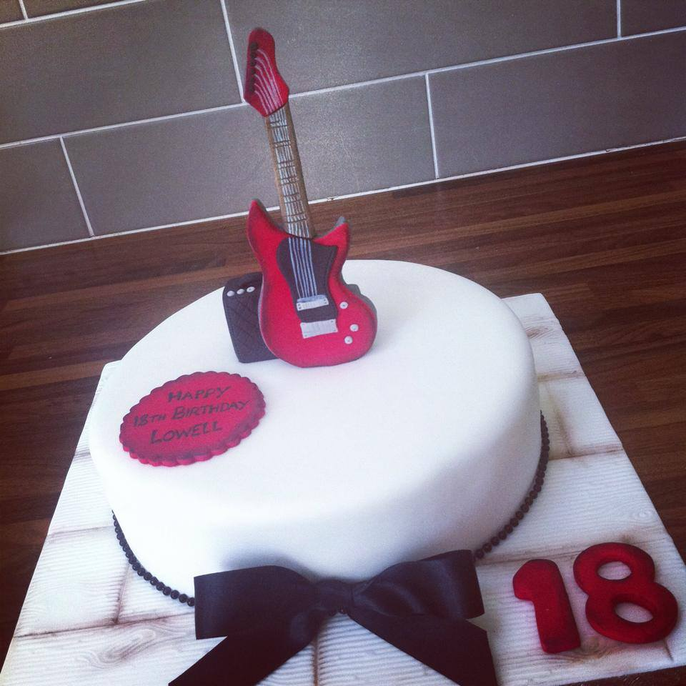 Gibson Guitar Cake Licky Lips Cakes Liverpool