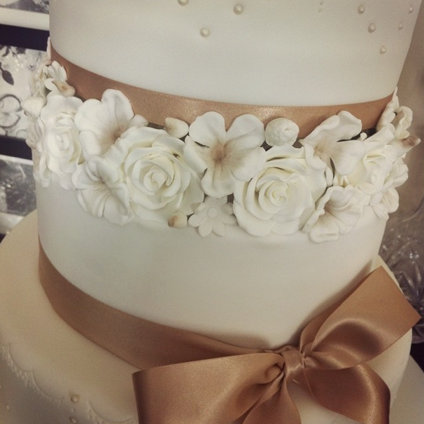 Wedding Cake Floral Licky Lips Cakes Liverpool