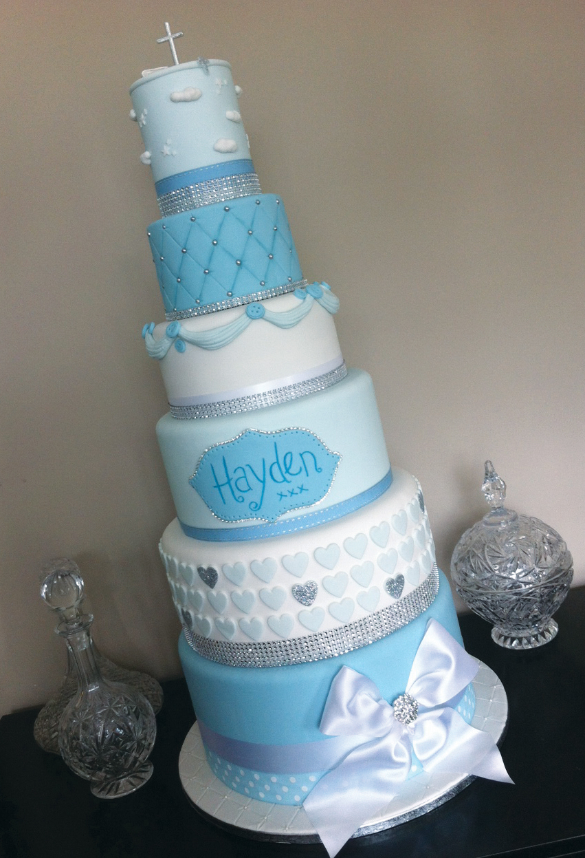 Christening / wedding style - Licky lips Cakes Liverpool.JPG