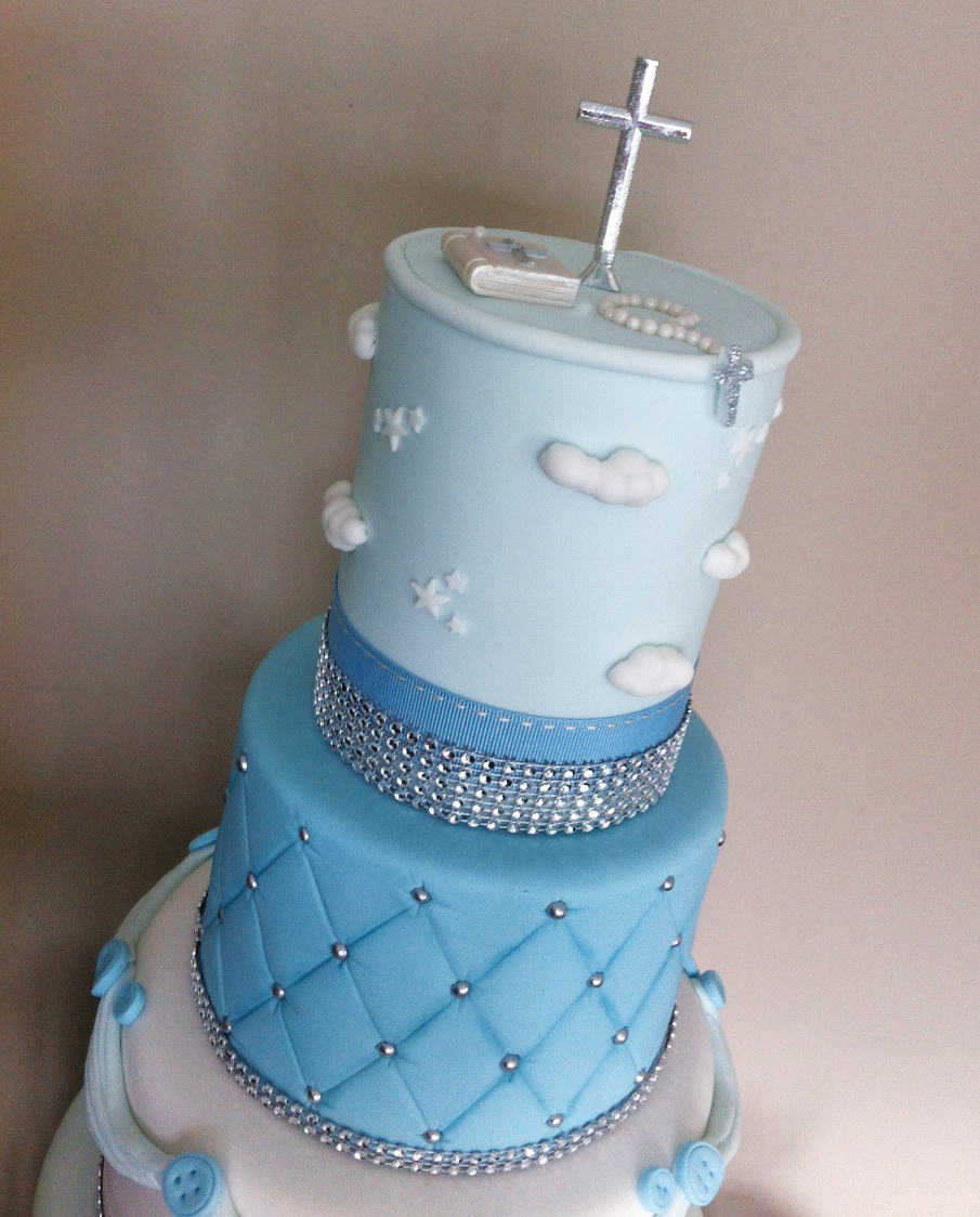 Christening / wedding style - Licky lips Cakes Liverpool 2.JPG